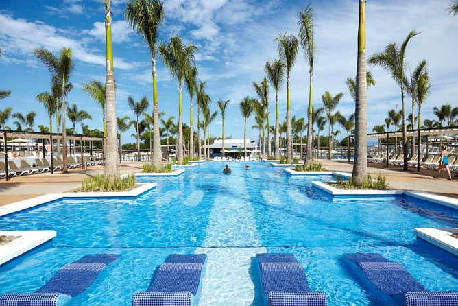 Private Transfer From Liberia Airport To Hotel Riu Guanacaste And Riu Palace