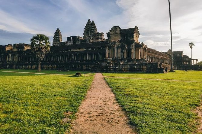 Full Day Angkor Wat Complex Small Group Tour