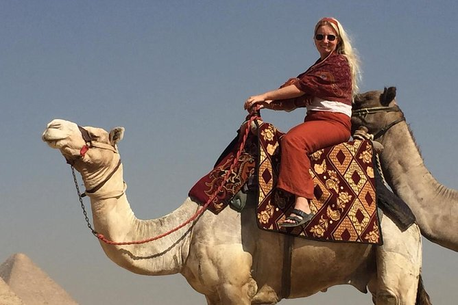 un día completo a las pirámides de Giza, el Museo Egyptain y el Bazar Khan Khalili