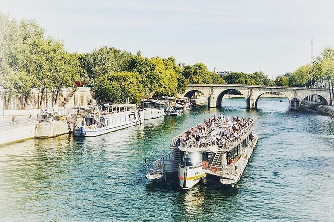 Paris Essentials : Eiffel Tower, Seine River Cruise & Bus - Combo Tour