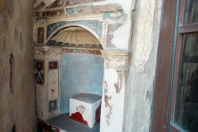 Pompeii Skip-The-Line and Naples Full Day Tour from Rome photo 5
