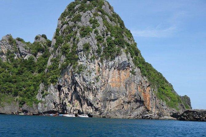 Lanta 4 Islands + Emerald Cave Snorkeling Tour by Speedboat