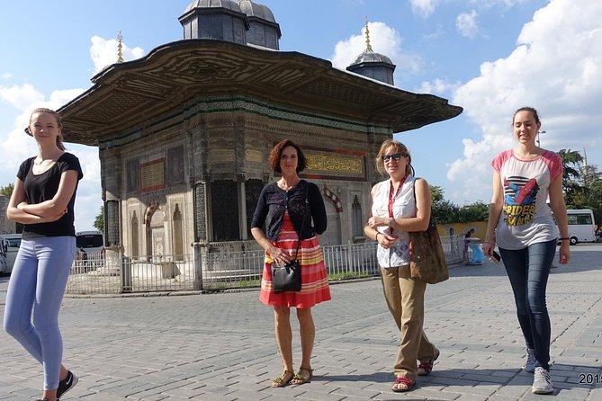Istanbul: Tour of Topkapi Palace and Hagia Sophia