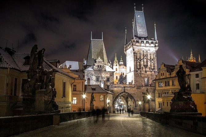 Private Transfer from Warsaw to Prague, Hotel-to-hotel, English-speaking driver