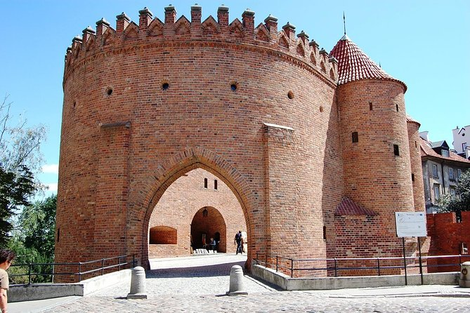 Private Transfer from Prague to Warsaw with 2h of Sightseeing