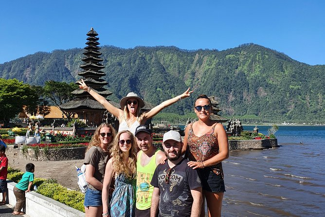 Shared Tour: Jatiluwih Rice Terraces - Ulun Danu Temple - Banyumala Waterfalls
