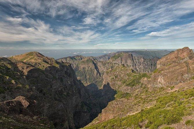 Morning Hike From Pico Do Arieiro To Pico Ruivo - By Pico Transfers