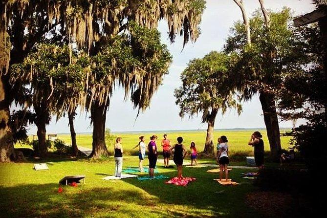 Yoga in Forsyth Park