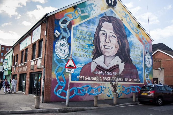 Belfast Mural and Peace Wall Tour