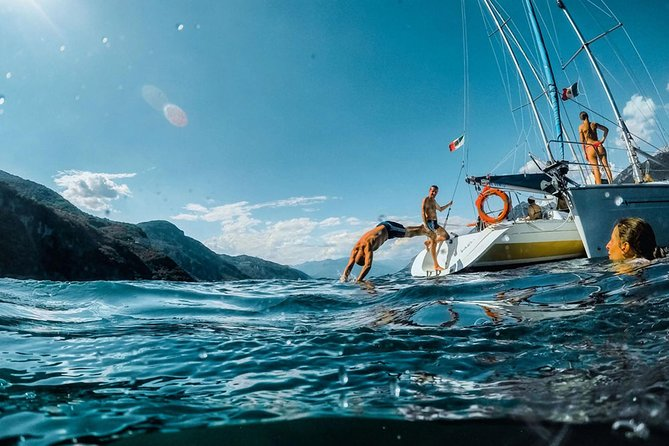 Sailing Experience on Lake Como: Fun, Relax and Adventure!