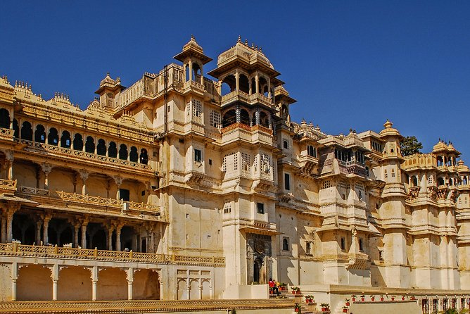 Udaipur: Highlights of Udaipur, Guided Half-Day Car Tour photo 9