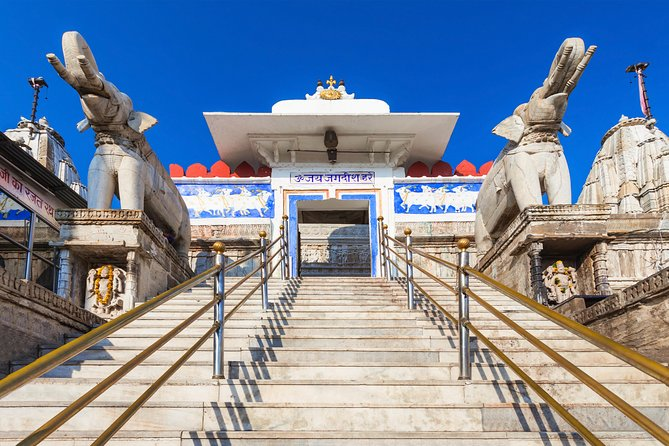 Udaipur: Highlights of Udaipur, Guided Half-Day Car Tour photo 4