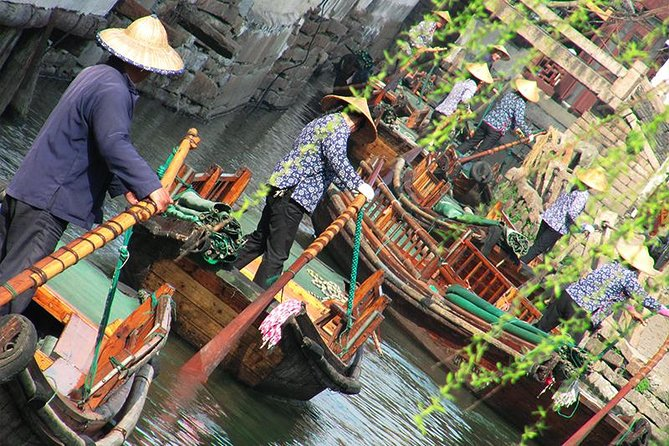 1-Day Xitang Water Town & Boat Ride with Private Transfer from Shanghai
