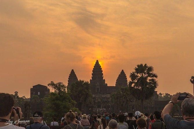 Mysterious Angkor Sunrise - Jeep Tour
