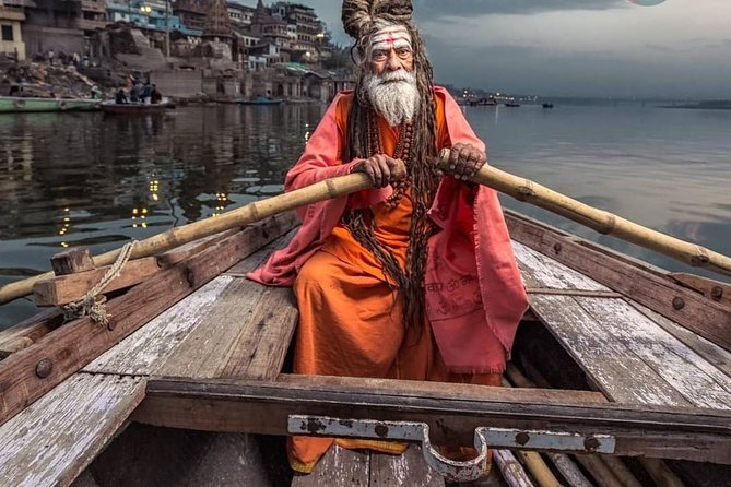 Private Custom Tour: Varanasi Sightseeing & Excursion to Sarnath with Guide