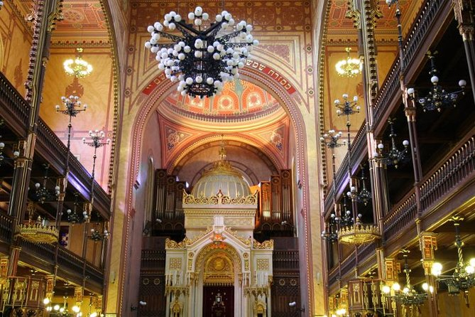Private Guided Day-Tour to Giza Pyramids Egyptian Museum and Ben Ezra Synagogue