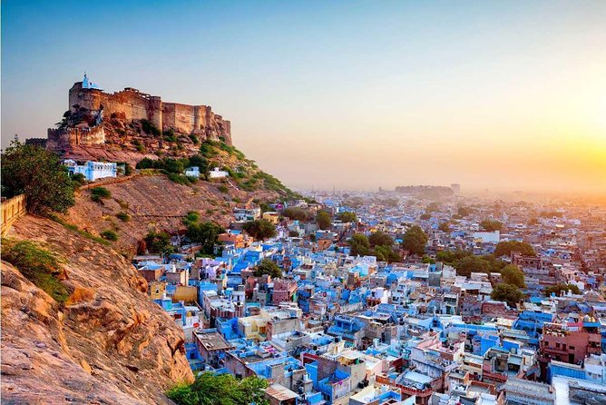 Private Transfer Form Udaipur to Jodhpur with Ranakpur Sightseeing Tour