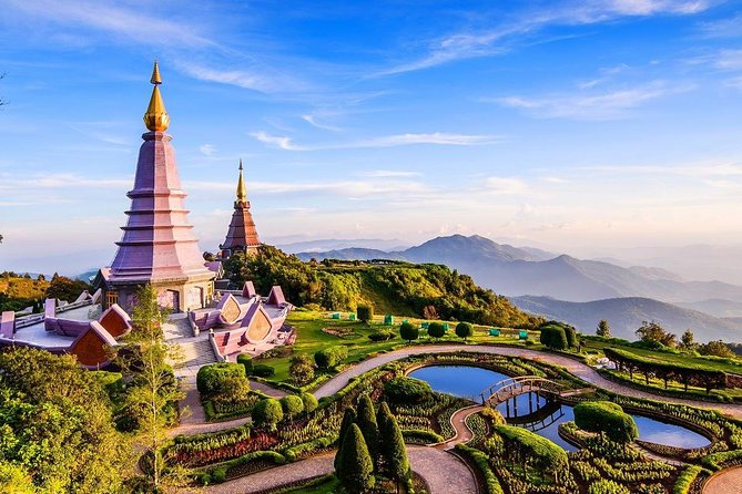 Private Transfer from Bangkok to Chiang Mai with 2h of Sightseeing