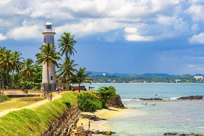 12-day Highlights Tour Sri Lanka (incl. 4*-hotels + all entrance fees)