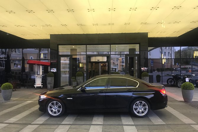 Private Business class Departure Transfer: Minsk City to Minsk Airport MSQ