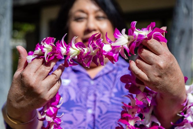 Honeymoon Airport Lei Greeting on Hilo Hawai'i