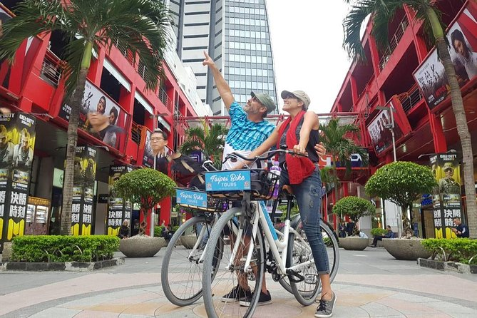 Ultimate 8-Hour Cycling City Tour
