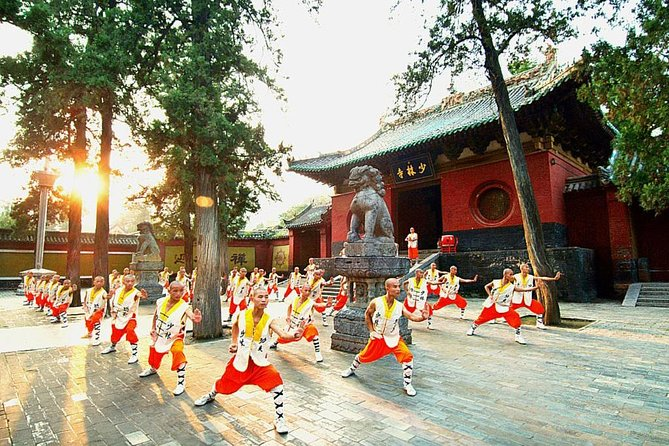 2-Day Private Trip from Xi'an with Hotel: Shaolin Temple and Longmen Grottoes