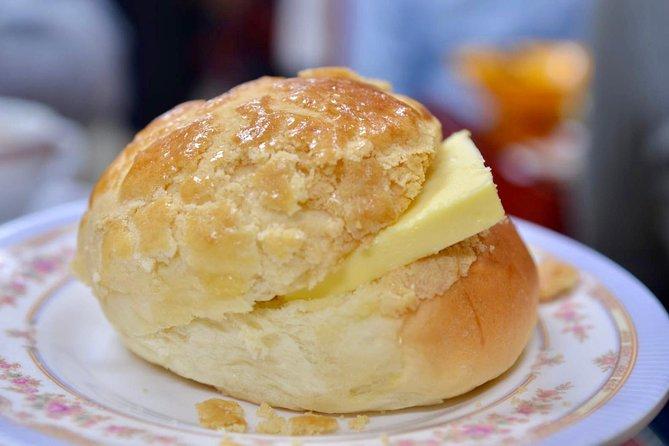Pineapple bun with fresh butter