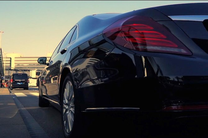 Luxury Transfer from Schiphol Airport to Amsterdam