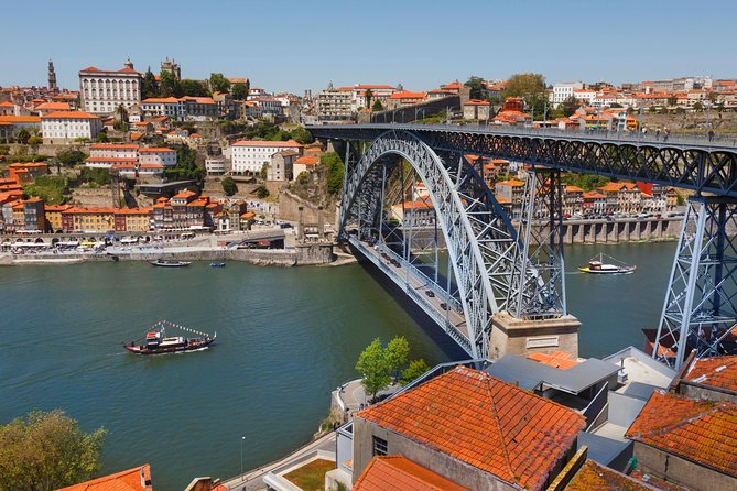 Private transfer from Lisbon Hotel to Oporto with stop in Fatima