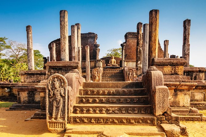 Ancient Kingdoms Tour (Polonnaruwa,Sigiriya,Kandy)with Holiday Walkers Sri Lanka