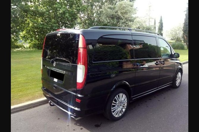 Toledo City To Madrid Barajas Airport Private Transfer photo 11