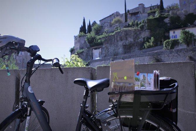 Treasure/paper hunt by e bike from Vaison la Romaine