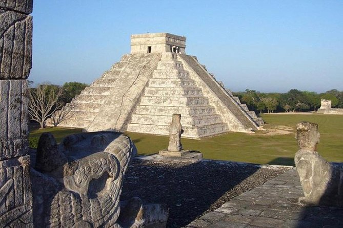 Classic Tour to Chichén Itzá, Valladolid and Cenote for the Best Price