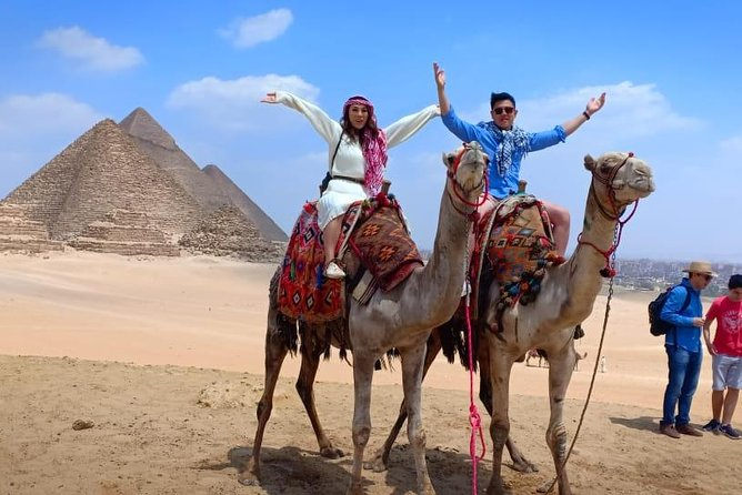 8-Hour Private Guided Tour Giza Pyramids , Memphis & Saqqara from Cairo & Giza