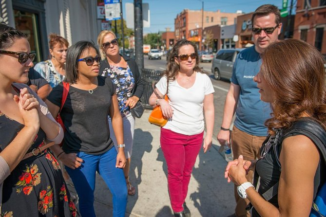 Small-Group Chicago Food Tour: Gold Coast and Old Town