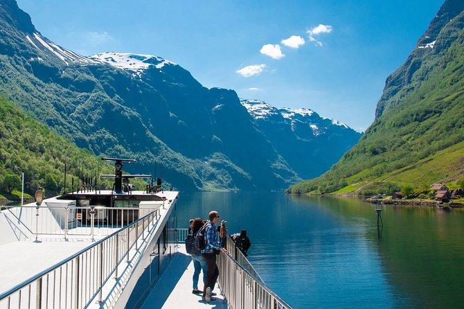Guided day tour to Flåm - incl Premium Nærøyfjord Cruise and Flåm Railway