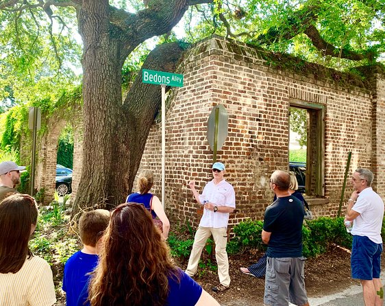 Charleston's Alleys & Hidden Passages Guided Small-Group Walking Tour