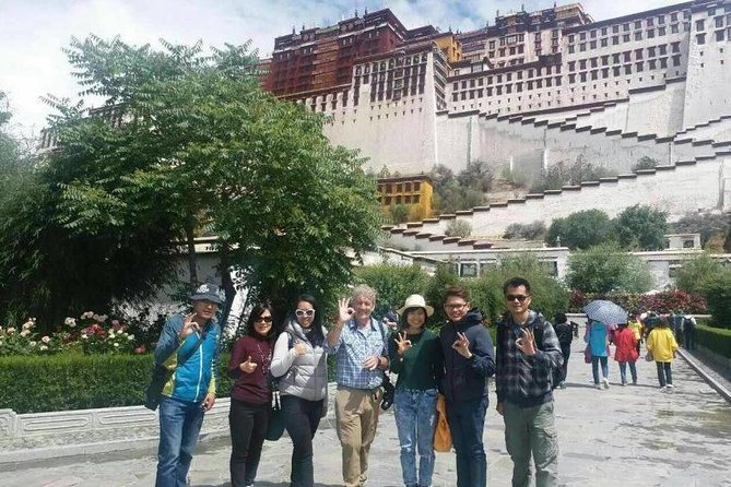 4-Day Lhasa City Essential Group Tour including Hotel and Welcome Dinner