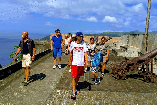 Fort Charlotte Tour with Fraser's Taxi and Tours