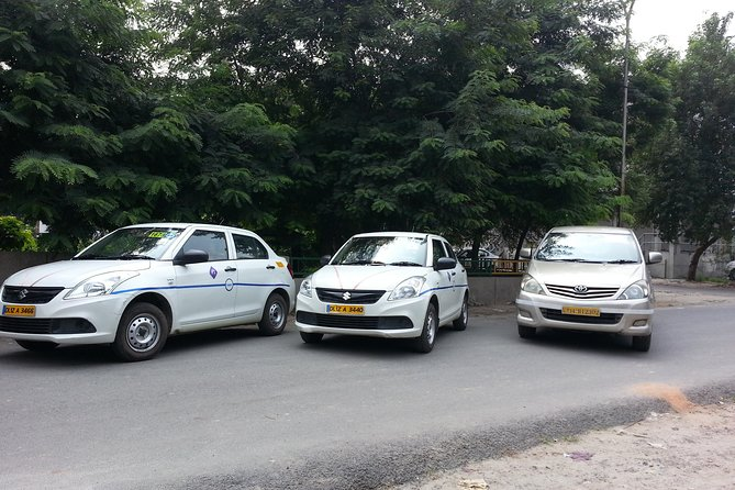 Private Airport Transfer - DEL Airport to Hotel OR Hotel to DEL Airport