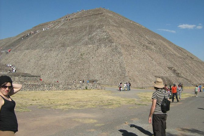 Tour Teotihuacan Pyramids - Guadalupe virgen shrine