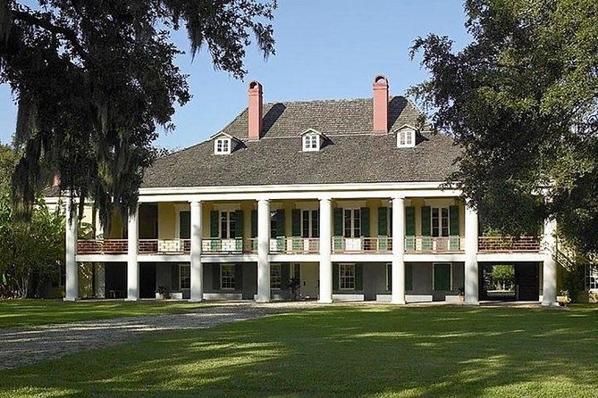 Nawlins Luxury: Destrehan Plantation & Swamp Boat Tour with Transportation