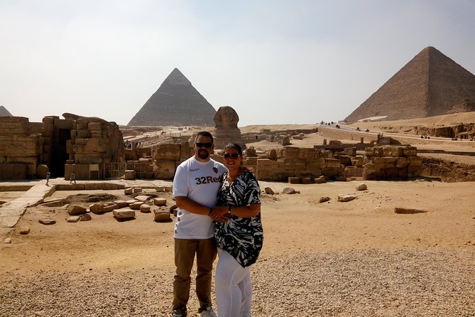 Giza Pyramids, Memphis and Sakkara with lunch Private Tour
