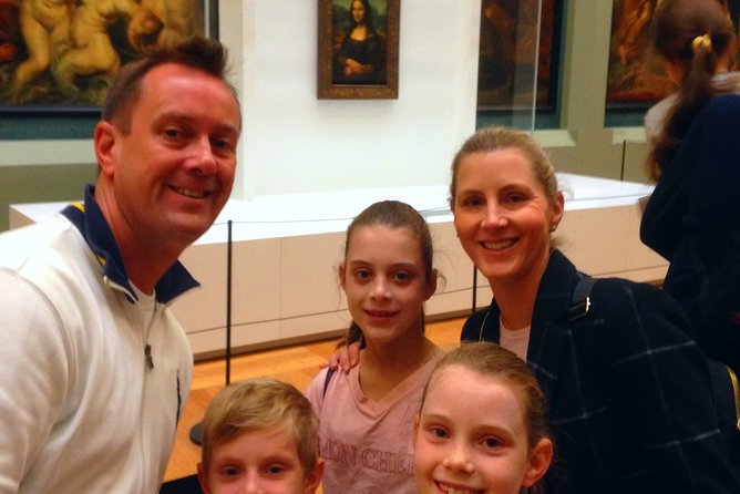 Private Louvre Museum Tour for Kids & Families with Alberto Local Guide in Paris