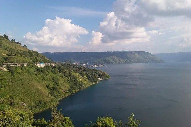 Private Tour : 4 Days Fascinating Lake Toba & Brastagi Highland Tour