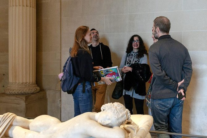 From Louvre to Street Art - original museum guided tour (skip the line!)