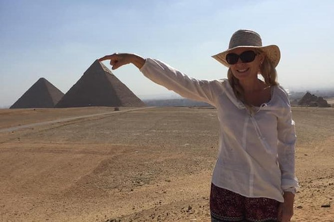 Private Half-Day tour to Giza Pyramids with Camel-Riding