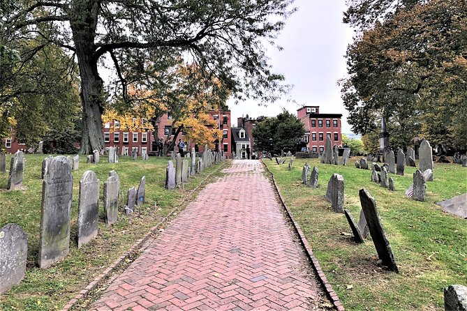 Haunted History & Pizza Walking Tour