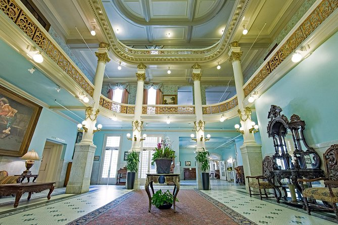 Tour inside of the Haunted Menger Hotel